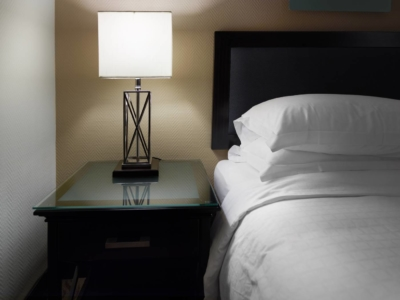 hotel_resort_lighting_bedside_lamp-comp