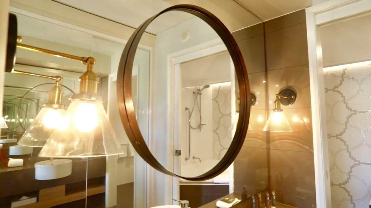 mirror_bathroom_lamp_brass-comp